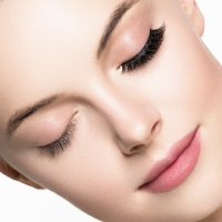 Beautiful eyelashes with lash extensions or eyelash lifts at morningside medispa