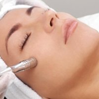 Microdermabrasion by trained therapists in Morningside luxurious beauty clinic
